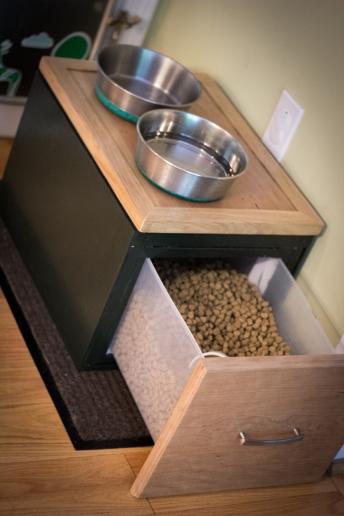 Dog feeding station/food stoarage